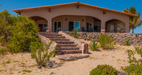 Casa Sage~Beautiful Oceanfront Home on a Long Sandy Beach in Punta Chivato